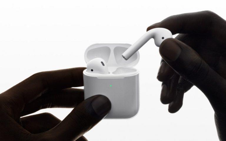 Apple mahu perkenal fon kepala AirPods Pro yang lebih murah