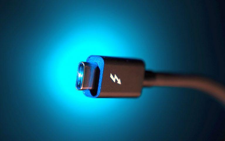 Apple akan dipaksa meninggalkan Lightning dan menggunakan USB-C